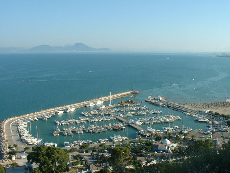 Moorings in Tunis Governorate